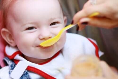 5 sinais de que o seu bebê pode estar com fome