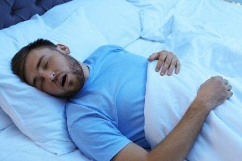Dormir bem para prevenir as dores físicas