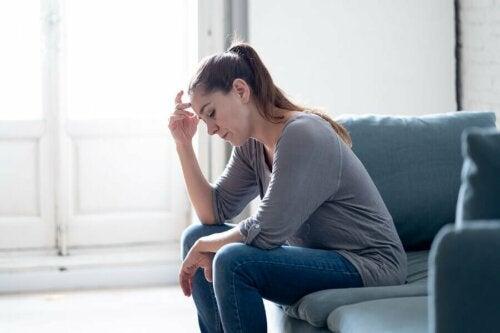 Mulher em estado de ansiedade
