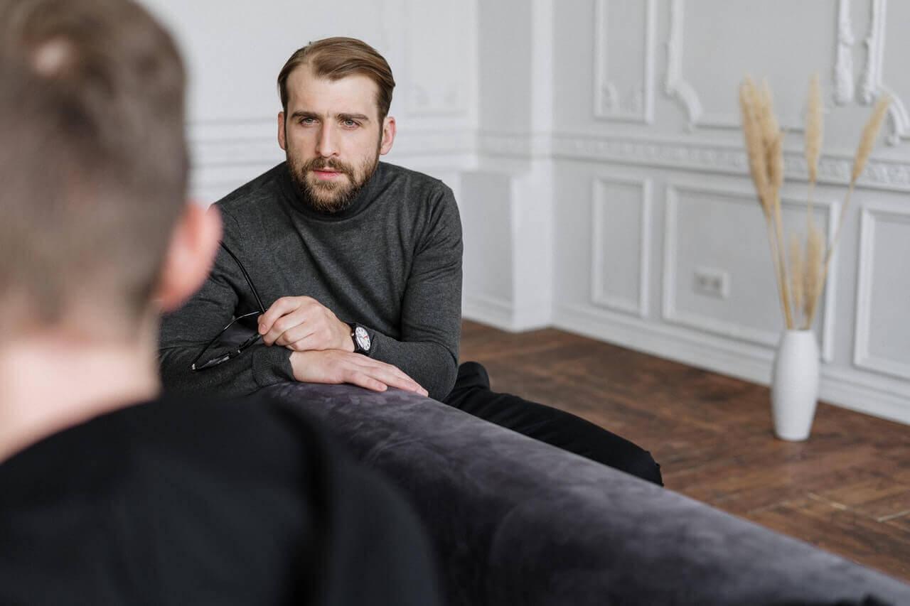 Homem fazendo terapia