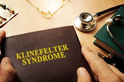 O que é a síndrome de Klinefelter e como afeta os homens?