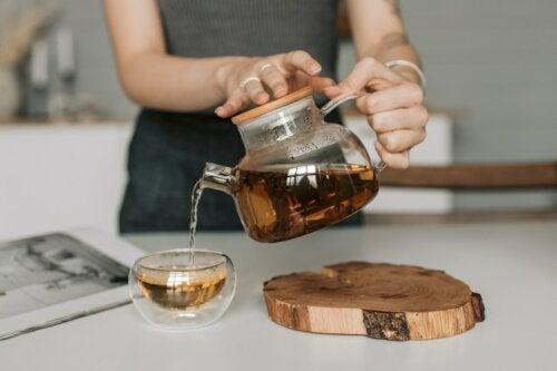 4 infusões com mel para melhorar a nossa saúde