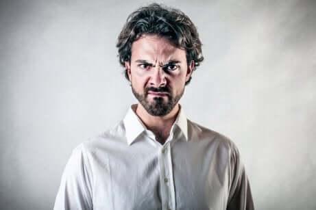 Como controlar os ataques de raiva