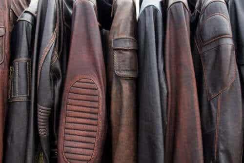 5 truques para limpar uma jaqueta de couro