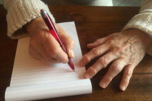 Calo do escritor: por que aparece e como tratá-lo?