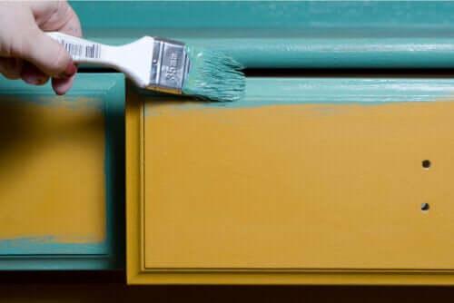 Dicas para pintar móveis de madeira
