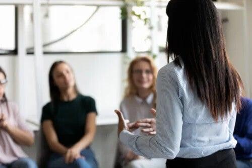 5 dinâmicas de confiança para crianças, jovens e adultos