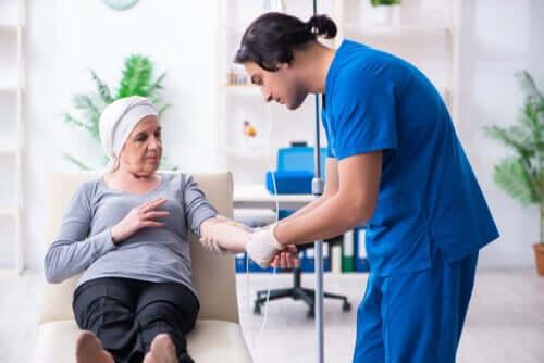 Síndrome carcinoide: causas, sintomas e tratamento