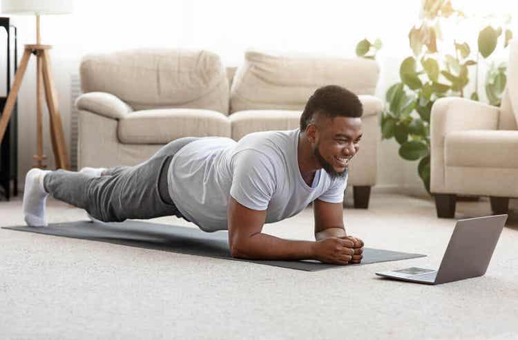 Exercícios de aquecimento que você pode fazer em casa
