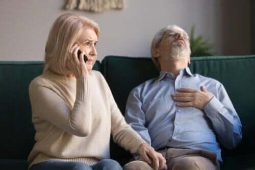 Acidentes e primeiros socorros em idosos