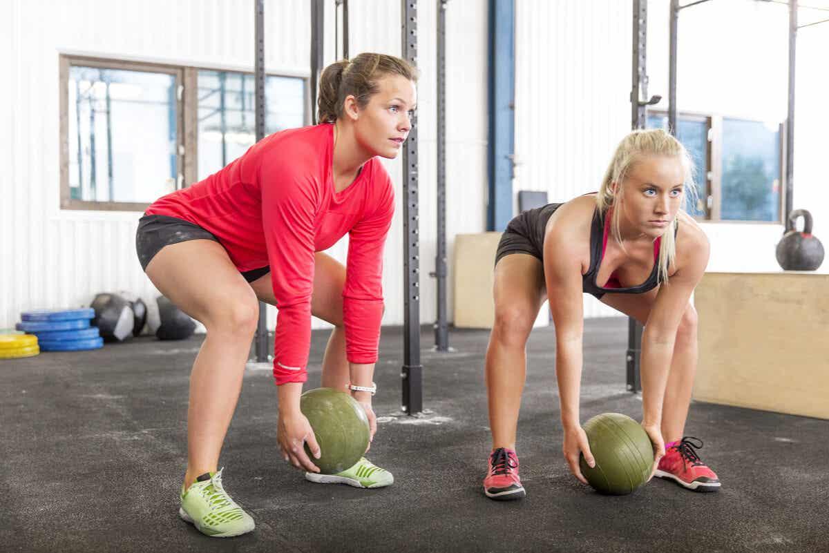 Conheça algumas variações de flexões para evitar dores nos pulsos