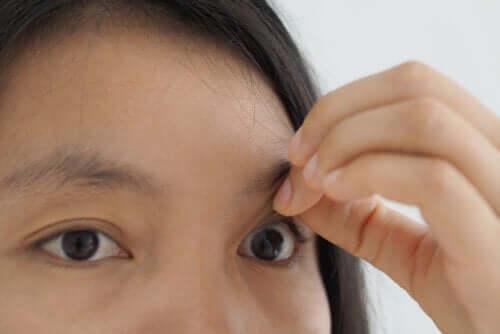 Buraco macular: sintomas e tratamento