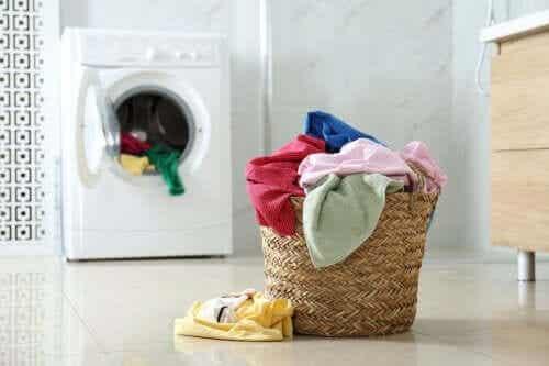 Por que você deveria colocar pimenta-do-reino na máquina de lavar?