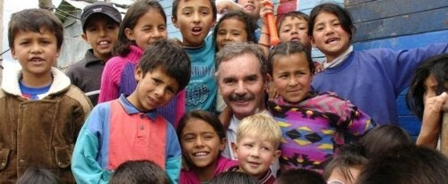 Este homem resgatou mais de 85.000 crianças das ruas e esgotos