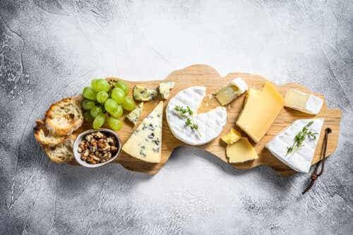Como montar uma tábua de queijos?