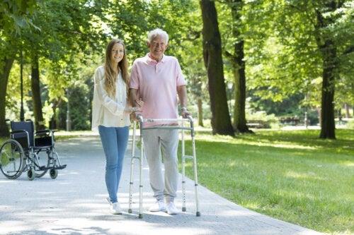 8 erros a evitar ao cuidar de idosos