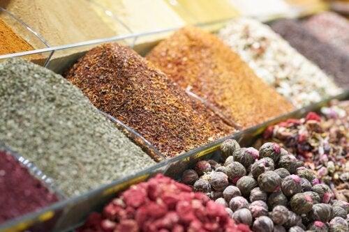 8 especiarias essenciais na culinária indiana