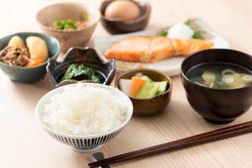 O que caracteriza a dieta asiática?