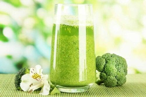 5 sucos de vegetais diferentes e fáceis de fazer