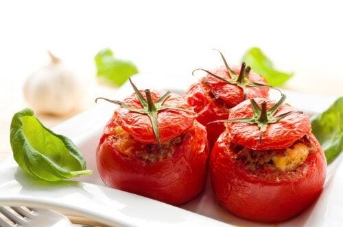 Você sabia que o tomate cozido é melhor do que o cru?